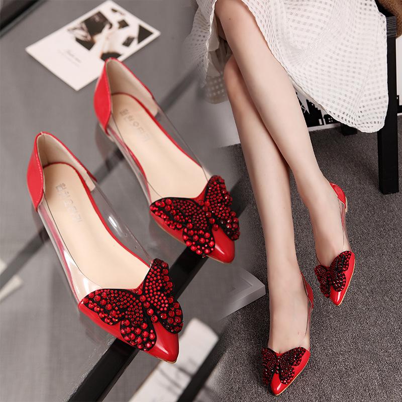 လိပ်ပြာပုံစံဒီဇိုင်းလှအမျိုးသမီးစီးဖိနပ်